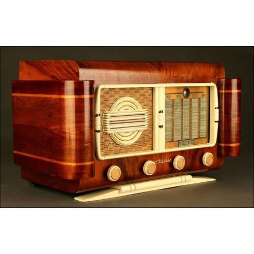 Radio Francesa Chapada en Caoba. Años 30 del S. XX. Funcionando Perfectamente a 220 V