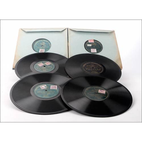 Album con 12 discos de gramófono. 78 rpm. 11 de ellos monofaciales. Album original