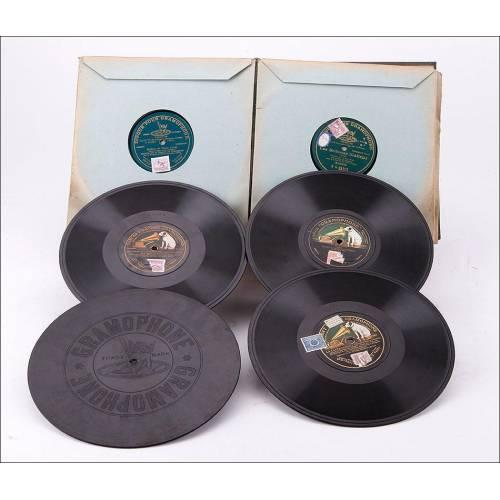 Album con 12 discos de gramófono. 78 rpm. 10 de ellos monofaciales. Album original