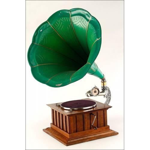 Gramófono de Trompeta en Excelente Estado y Funcionando. Centroeuropa, Circa 1915