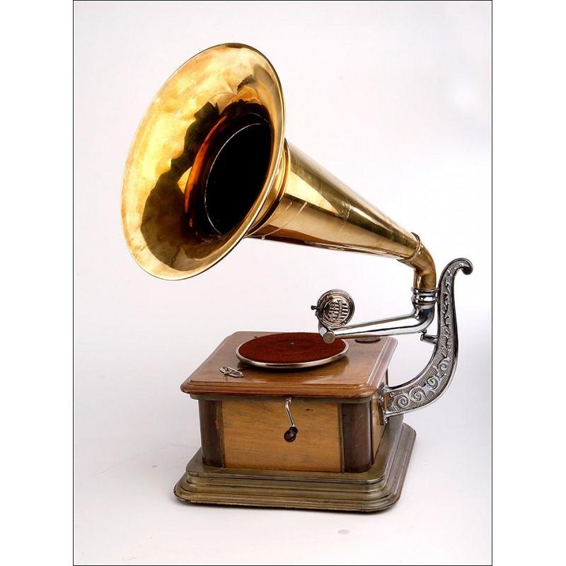 Bello Gramófono de Trompeta en Muy Buenas Condiciones. Años 20