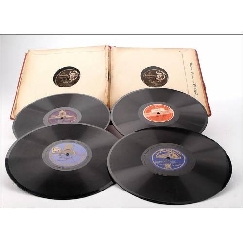 Album con 11 discos de gramófono. 78 rpm. Temática variada. Album original de época.