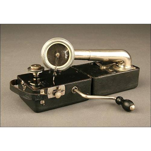 Pequeño Gramófono de Bolsillo Colibrí. Bélgica, Años 30.