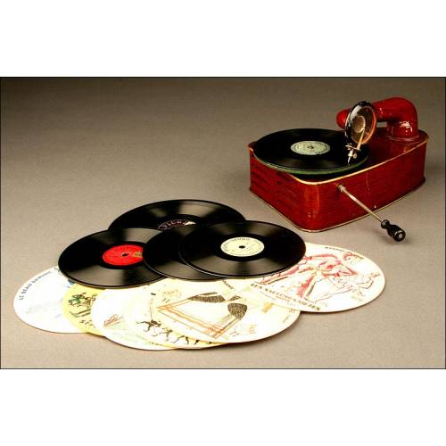 Precioso Gramófono de Juguete Bingola, fabricado en los Años 20. En Buen estado de conservación y Funcionamiento.