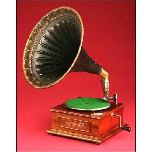 Precioso Gramófono de Bocina Royal Standard. Principios del s.XX.