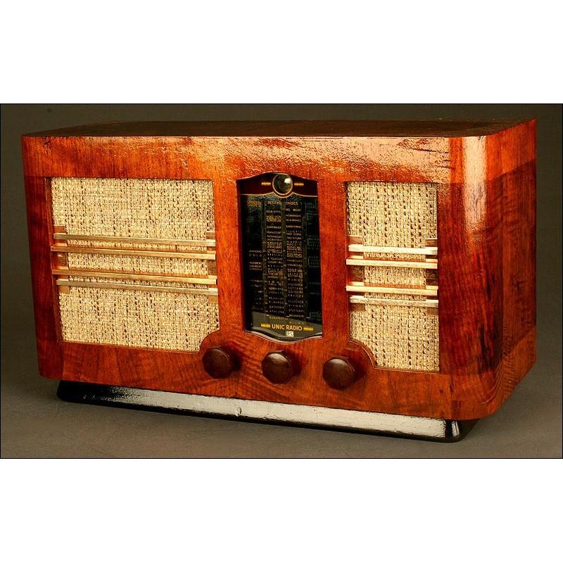"""Elegante Radio Francesa de Válvulas L.M.T., de los Años 40. Con """"Ojo Mágico"""". 220 V"""