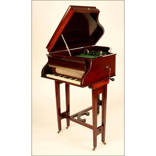 Extraordinariamente raro Gramófono Columbia con Forma de Piano. Años 30. Madera de Caoba
