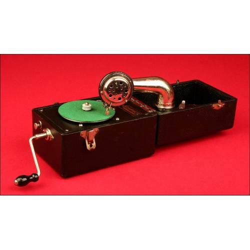 Gramófono de Viaje Norteamericano Marca Kompact, 1.915. Con excelente sonido y bien conservado