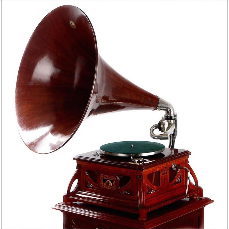 Rarísimo Gramófono de Trompeta Español La Voz de su Amo con Disquero a Juego. España, Circa 1910
