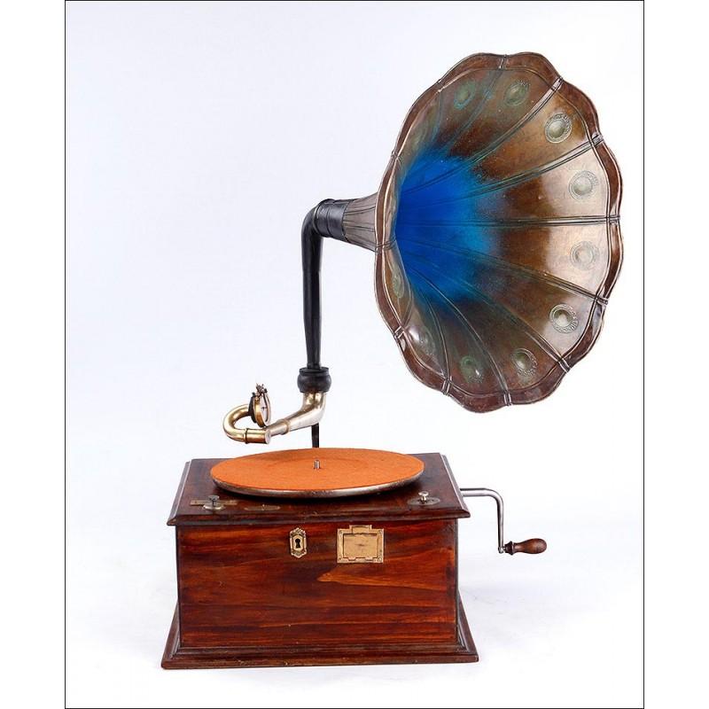 Antiguo Gramófono de Trompeta en Excelentes Condiciones. Francia, Circa 1920