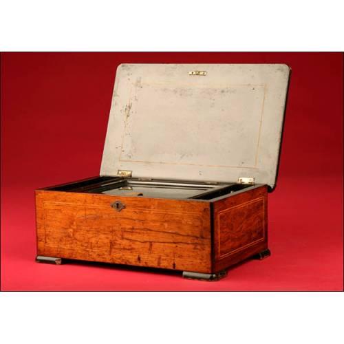 Preciosa Caja de Música con Seis Melodías. 1890-1900.