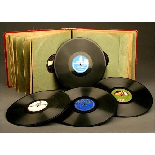 Magnífico Álbum de Música con 12 Discos para Gramófono.