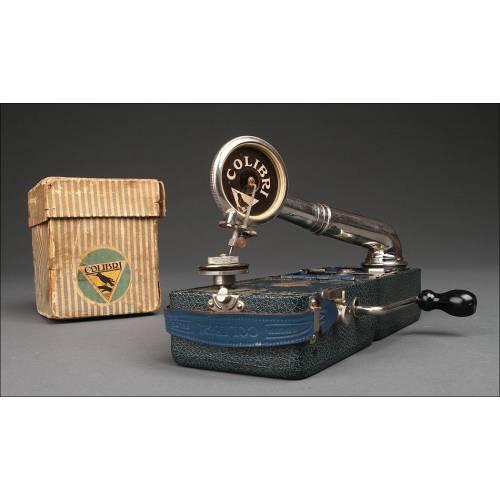 Gramófono Portátil Colibrí Fabricado en Bélgica. Años 20 del Siglo XX. Funcionando y en Buen Estado