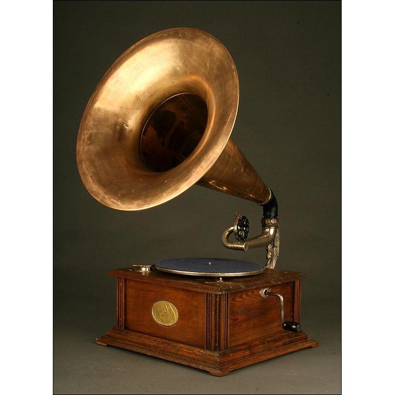 Gramófono Vintage Alemán en Perfecto Funcionamiento. Circa 1.920. Con Trompa de Cobre