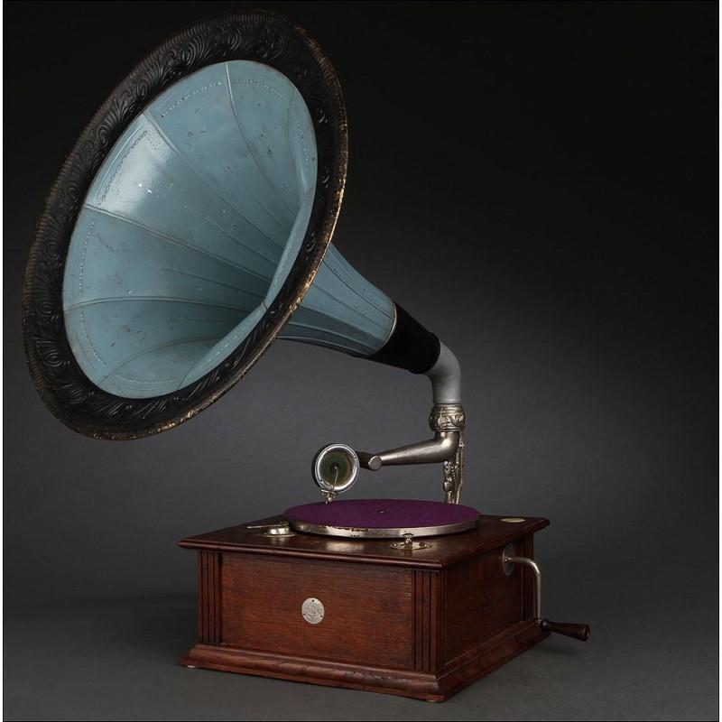 Gramófono de Trompeta Vintage del Año 1920. En Buen Estado de Conservación y Funcionamiento