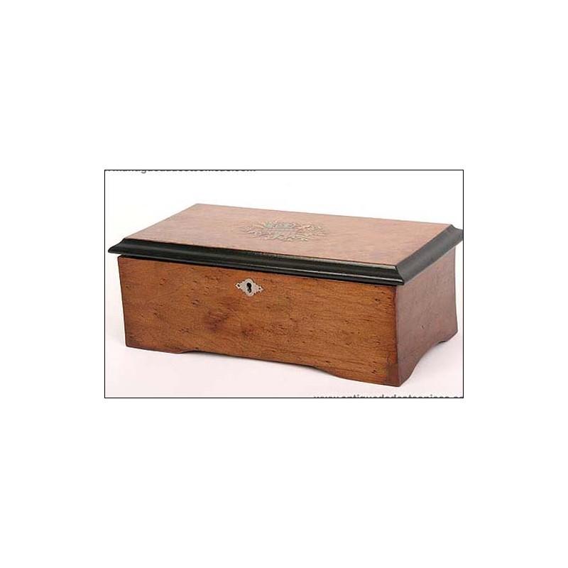 Antigua caja de música. 6 melodías. 1850. En perfecto estado.