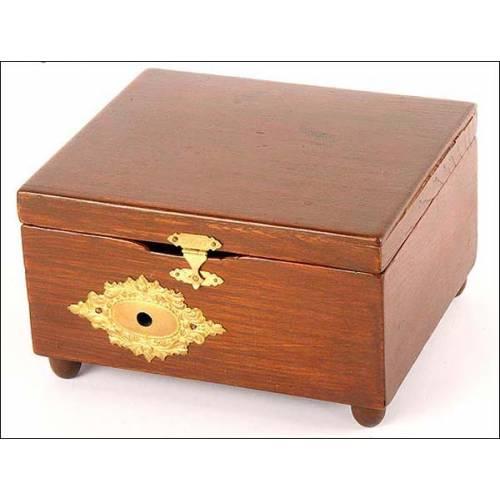 Caja de música de discos. Siglo XIX. Marca Adler