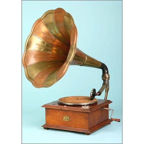 Gramófono Pathé modelo 2 con pabellón en cobre bicolor. 1912
