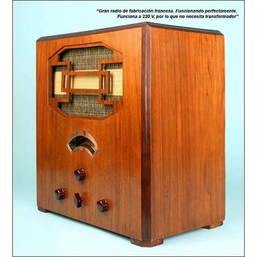Gran radio francesa. Funciona. 220v. Años 30