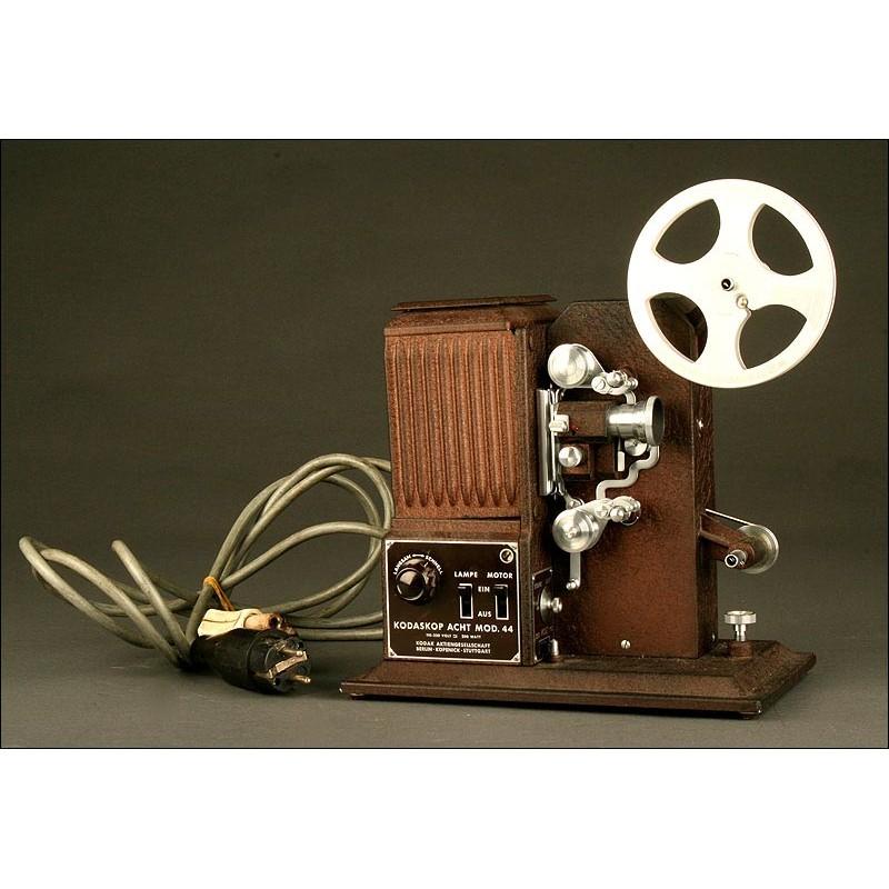 Proyector Alemán Kodak Original Modelo 44. Circa 1.950. Funcionando. Pieza de Colección
