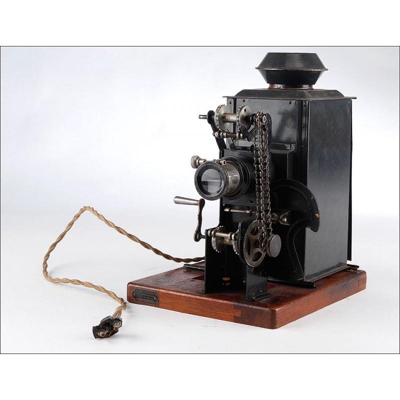 Proyector de Cine Ernamm Kinoptikon para Película de 35 mm. Fabricado en Alemania Circa 1915