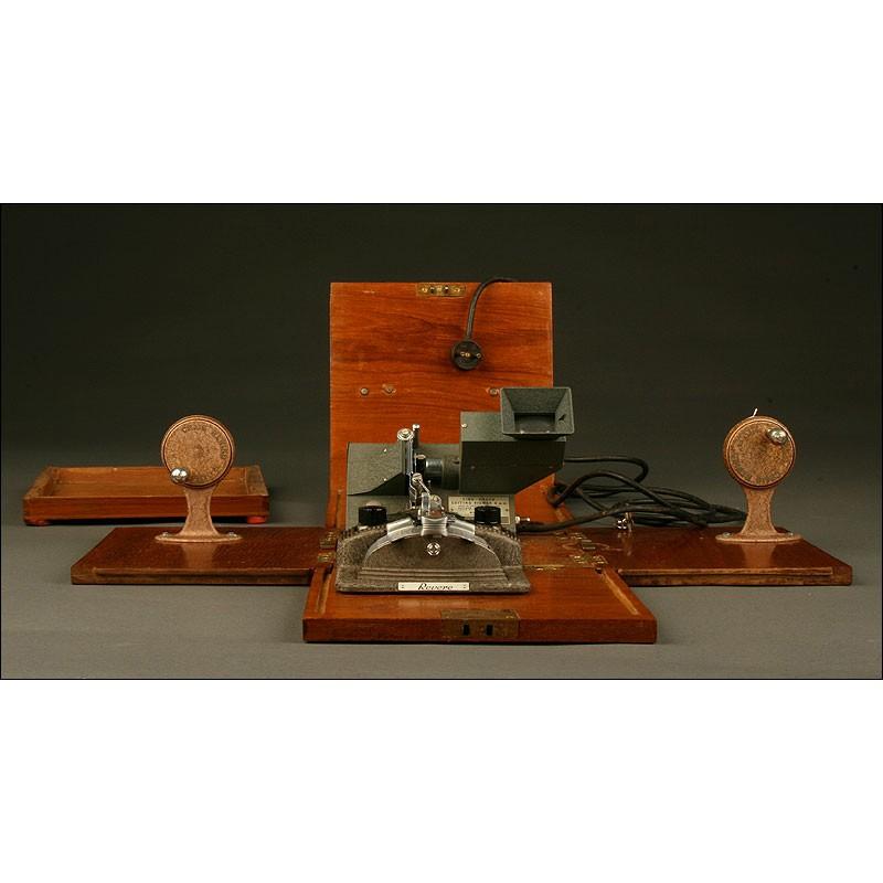 Mesa de Edición Kodak para Películas de 8 mm, Años 40. Funda y Llave Original. Funcionando
