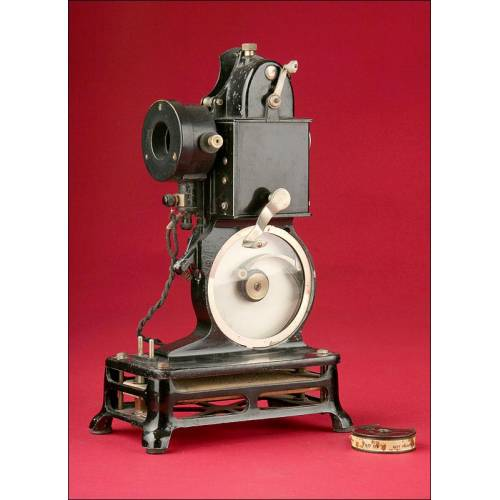 Elegante Proyector Pathé-Baby para Películas de 9,5 mm. Fabricado en el año 1930