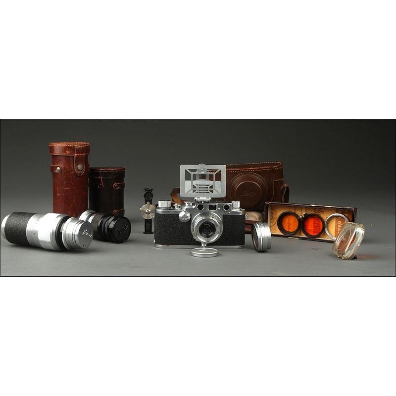 Conjunto de Cámara Leica IIIc con Accesorios. Año 1941, Estuches Originales y en Excelente Estado