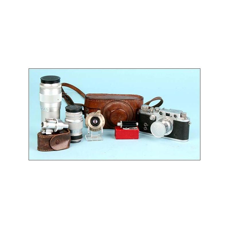 Gran lote Leica. Leica III c de 1942, varios objetivos y accesorios originales