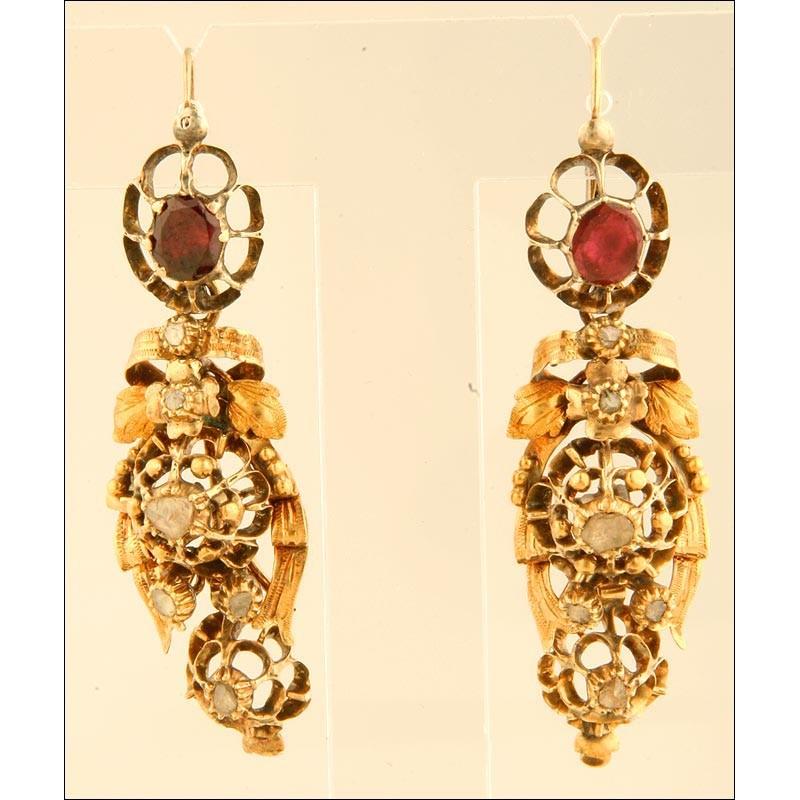 Pareja de Pendientes Isabelinos Fabricados en Oro de 18 K, con Diamantes y Amatistas. Finales s. XIX