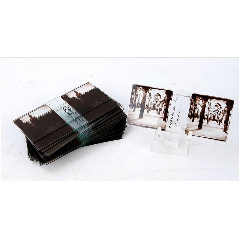 Juego de 25 Placas Estereoscópicas de Lugares de España. Ppios. Siglo XX. 107 x 45 mm.