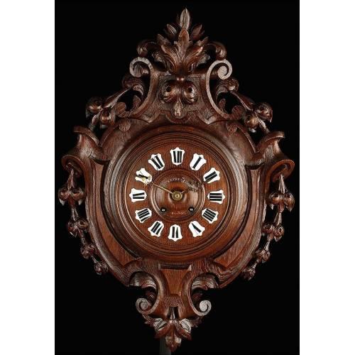 Fantástico Reloj de Pared con Caja de Madera Maciza Tallada. Francia, Circa 1870