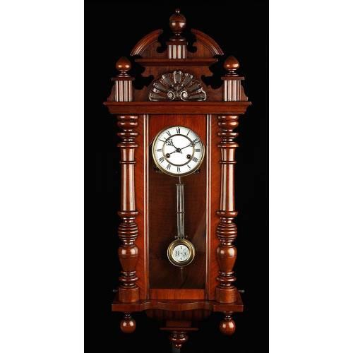 Hermoso Reloj de Pared con Caja de Madera. Alemania, Fines S. XIX. Funcionando Perfectamente