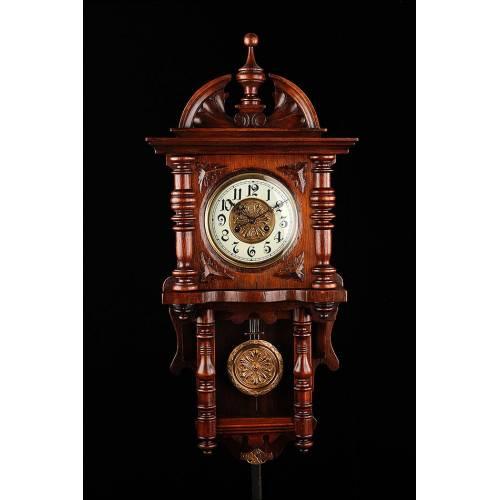 Hermoso Reloj de Pared Kienzle Restaurado y en Funcionamiento. Alemania, 1900