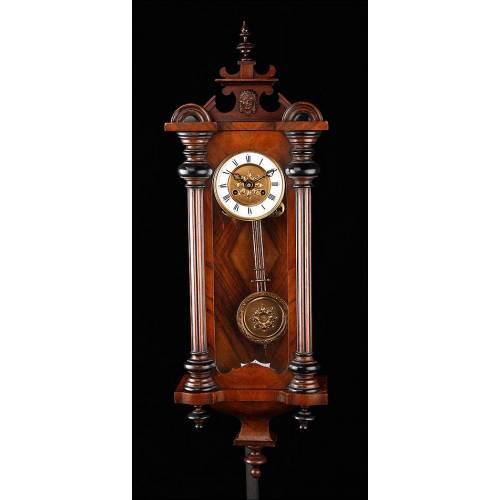 Elegante Reloj de Pared Antiguo Marca Kienzle. Alemania, Finales del S. XIX. Funcionando
