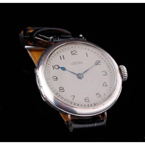 Atractivo Reloj de Pulsera de Plata Nielada. Suiza, C. 1910. Bien Conservado y Funcionando