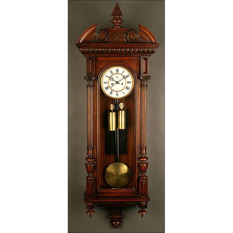Exclusivo Reloj de Pared Vienés en Madera de Nogal, 1880. Precioso, Funciona a la Perfección