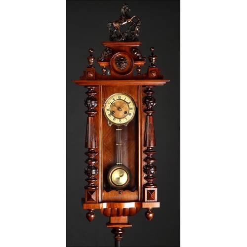 Elegante Reloj de Pared Alemán de 1900. Magníficamente Restaurado y Funcionando