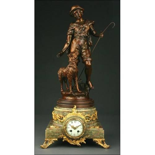 Reloj Francés de Mármol del S. XIX con Escultura de Bronce. Funcionando Bien
