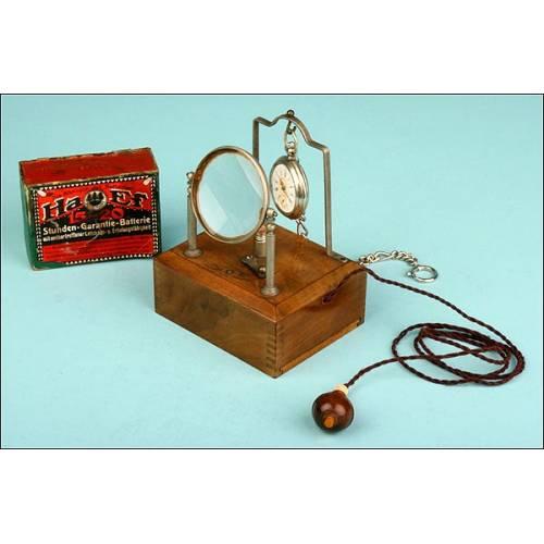 Reloj Lepine y Singular Conjunto para su Soporte sobre Mesilla de Noche