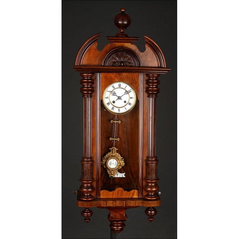 Precioso Reloj de Pared de Madera Fabricado en Alemania Circa 1890. Restaurado. Funciona Muy Bien