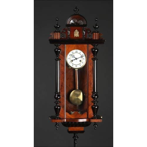 Fantástico Reloj de Pared Alemán Gustav Becker, Circa 1900. Restaurado al Detalle y Funcionando