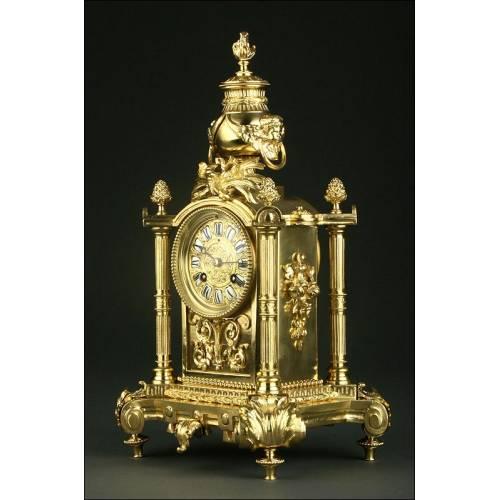 Precioso Reloj de Sobremesa Francés de Bronce. Año1.880. En Perfecto Estado