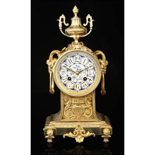 Impresionante Reloj de Sobremesa Antiguo de Bronce y Porcelana. Francia, Siglo XIX