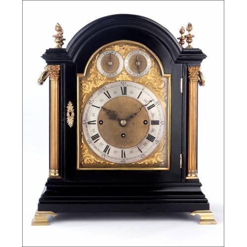 Antiguo Reloj Bracket Con Doble Sonerías. 8 campanillas. Inglaterra, Siglo XIX, circa 1870