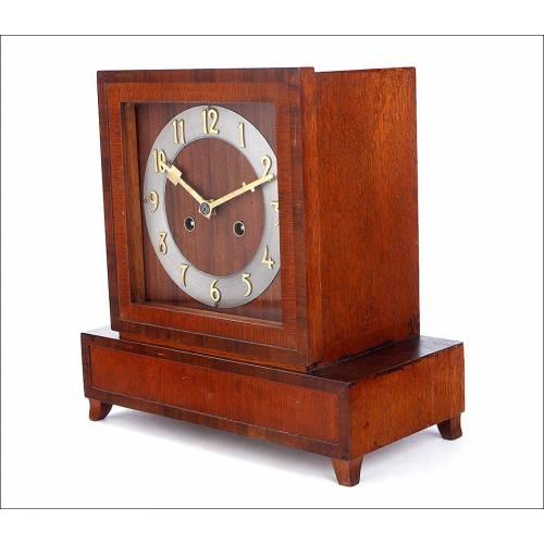 Elegante Reloj de Sobremesa Art Déco. Años 20-30 del Siglo XX