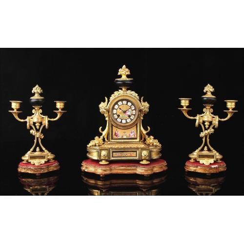 Antiguo Reloj de Sobremesa Francés en Bronce Dorado. S.XIX.