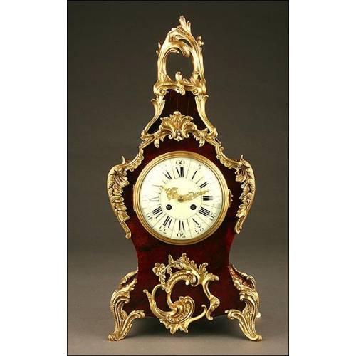 Magnífico Reloj de Sobremesa en Madera y  Concha de Tortuga. Siglo XIX.