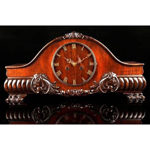 Reloj de Sobremesa en Madera de Nogal. Alemania, Años 40. Funcionando