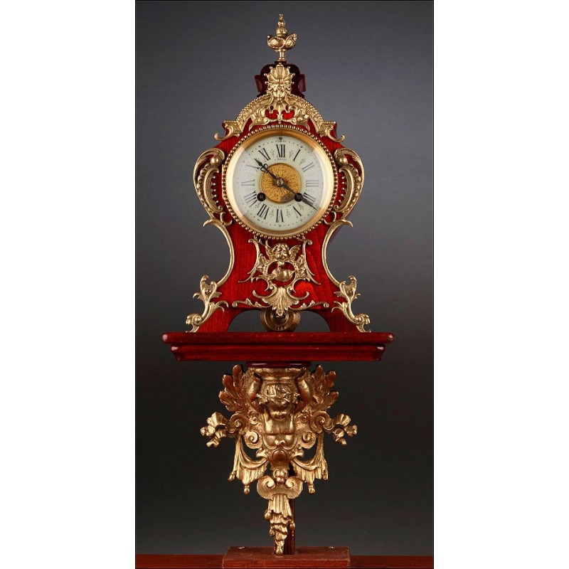 Atractivo Reloj de Sobremesa con Ménsula de Pared. Francia, Años 30 del Siglo XX. Funcionando